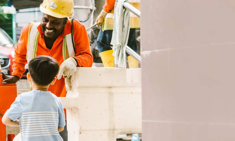 Post thumbnail of Three-year-old toddler is migrant workers' best friend